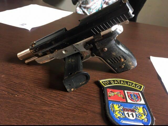 Simulacro de arma usado em tentativa de roubo é encontrado
