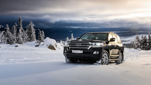 Toyota Land Cruiser | Wall Sports Cars