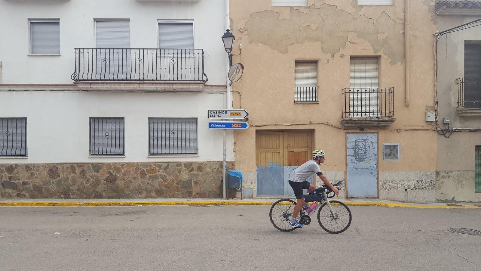 Cycling in Valencia - onyour.bike