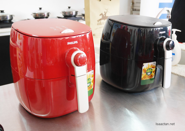 We all get to use the latest new red edition of the Philips Airfryer that afternoon to cook our dishes