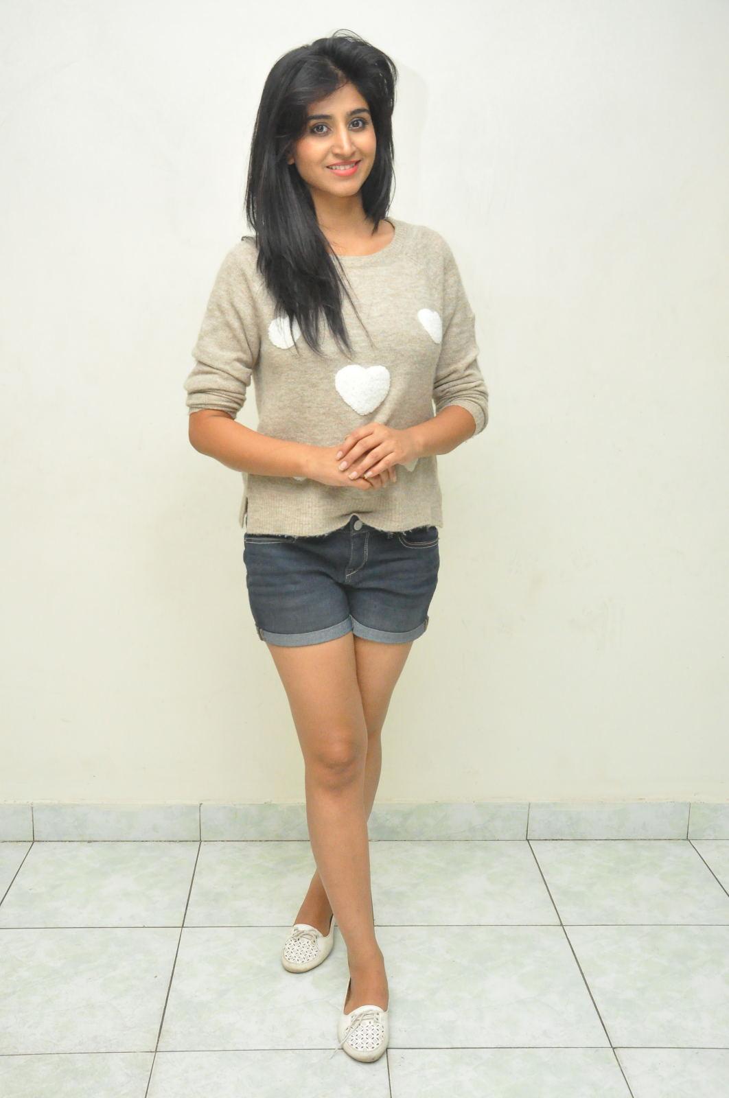 Shamili new cute photos gallery-HQ-Photo-12
