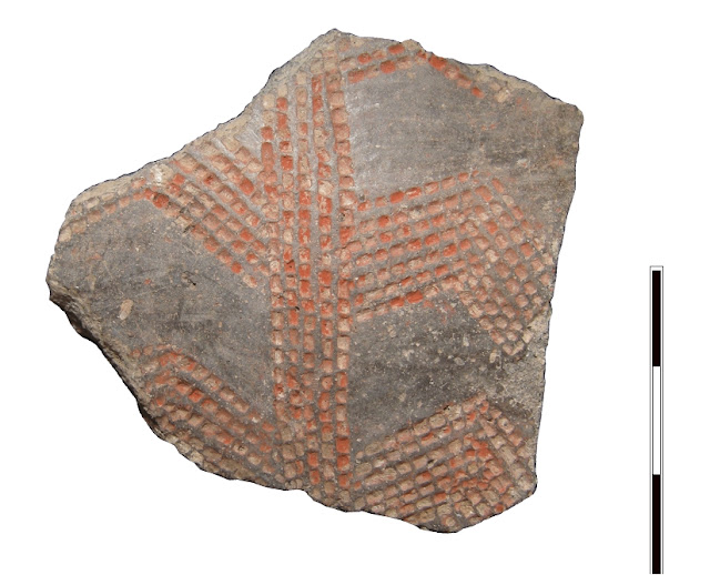 Early Neolithic pottery fragment with unique iconography found in El Portalón de Cueva Mayor site, Atapuerca
