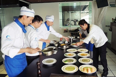 9. Bếp phó (Sous Chef)