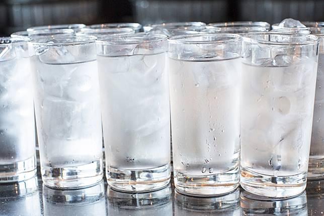Bahaya Minum Air Dingin