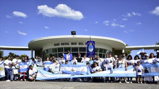 Familiares piden a Macri búsqueda de submarino desaparecido