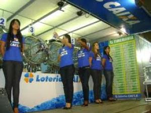 Resultado de imagem para Fotos do sorteio da mega em Santo Antônio de Jesus (BA)