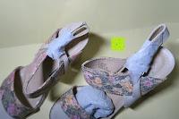 Schuhe oben: Alexis Leroy Blockabsatz Blume gedruckt Damen Offene Sandalen mit Keilabsatz