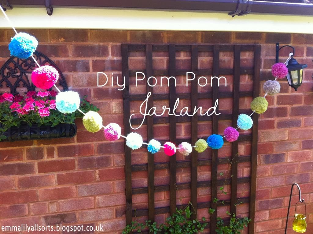 Pompom Rainbow Wreath