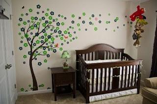 adesivos de parede no quarto do bebê