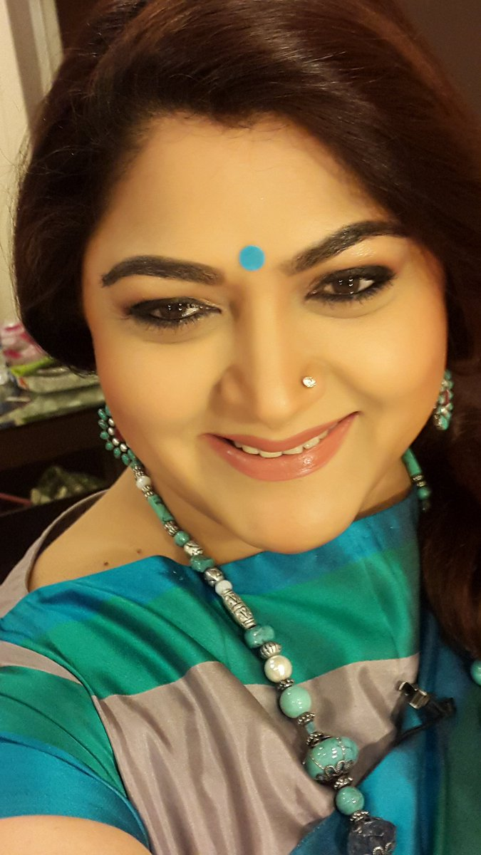 Actress KhushbuSundar Latest HD Images In Saree