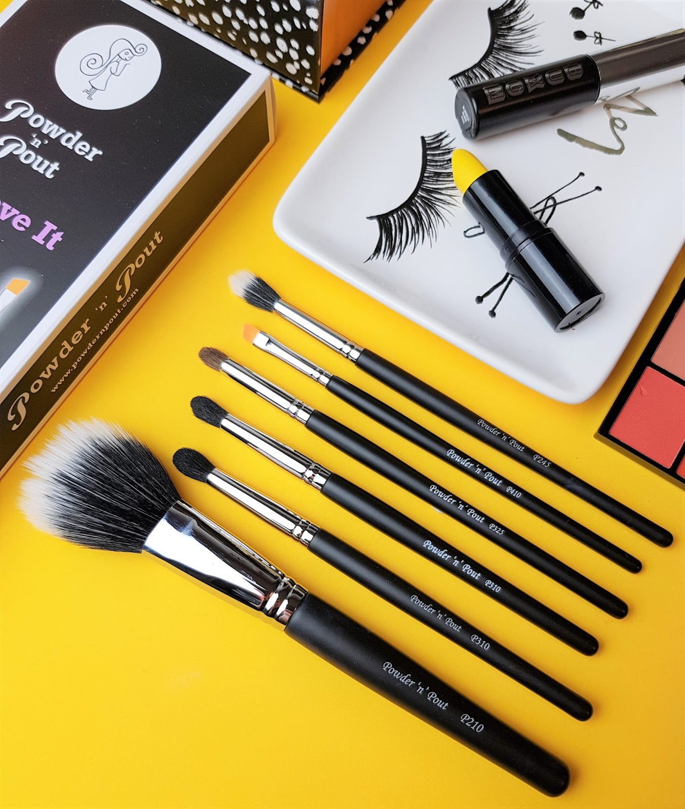 Powder 'n Pout make Up Brushes
