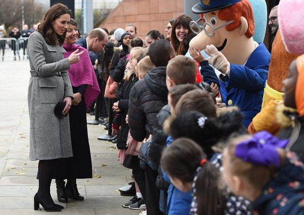 Kate Middleton wore L.K. Bennett Delli Coat, Goat Elodie Dress, Tod's Pumps, Mappin&Webb Earrings