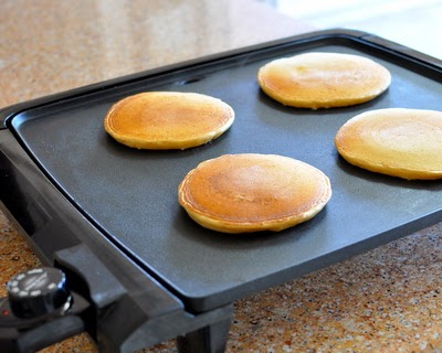 We love this Electric Nonstick Pancake Griddle, especially for pancakes for a crowd. Just one more reason to Make Tonight #PancakeNight.