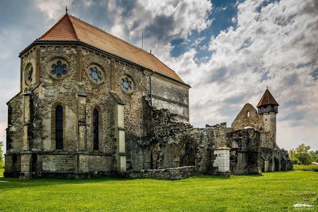 Manastirea fortificata Carta din judetul Sibiu
