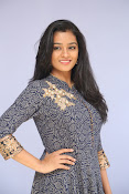 gayathri latest sizzling pics-thumbnail-2