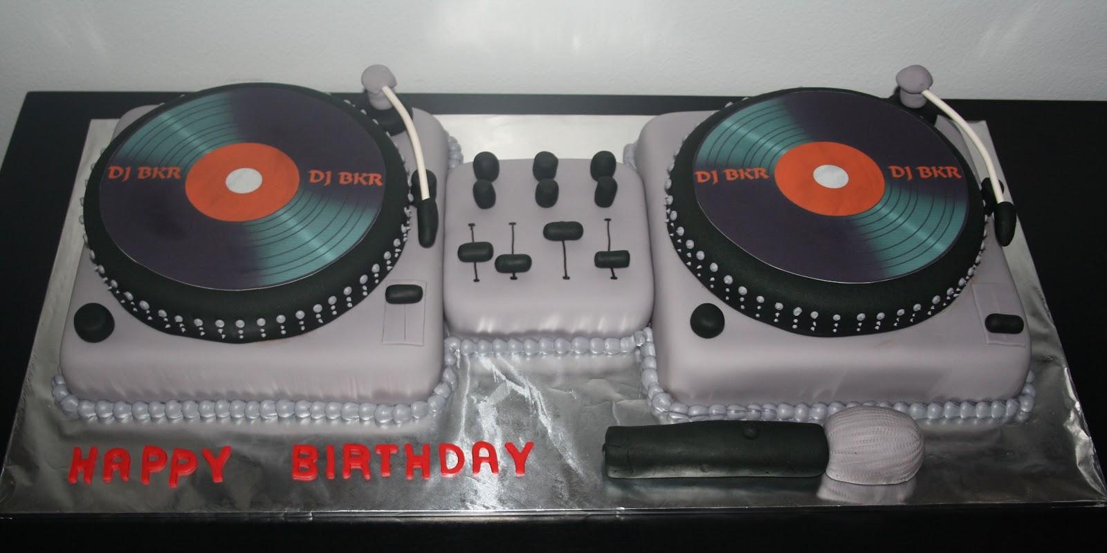 Jacqueline S Sweet Shop Dj Turntable Cake
