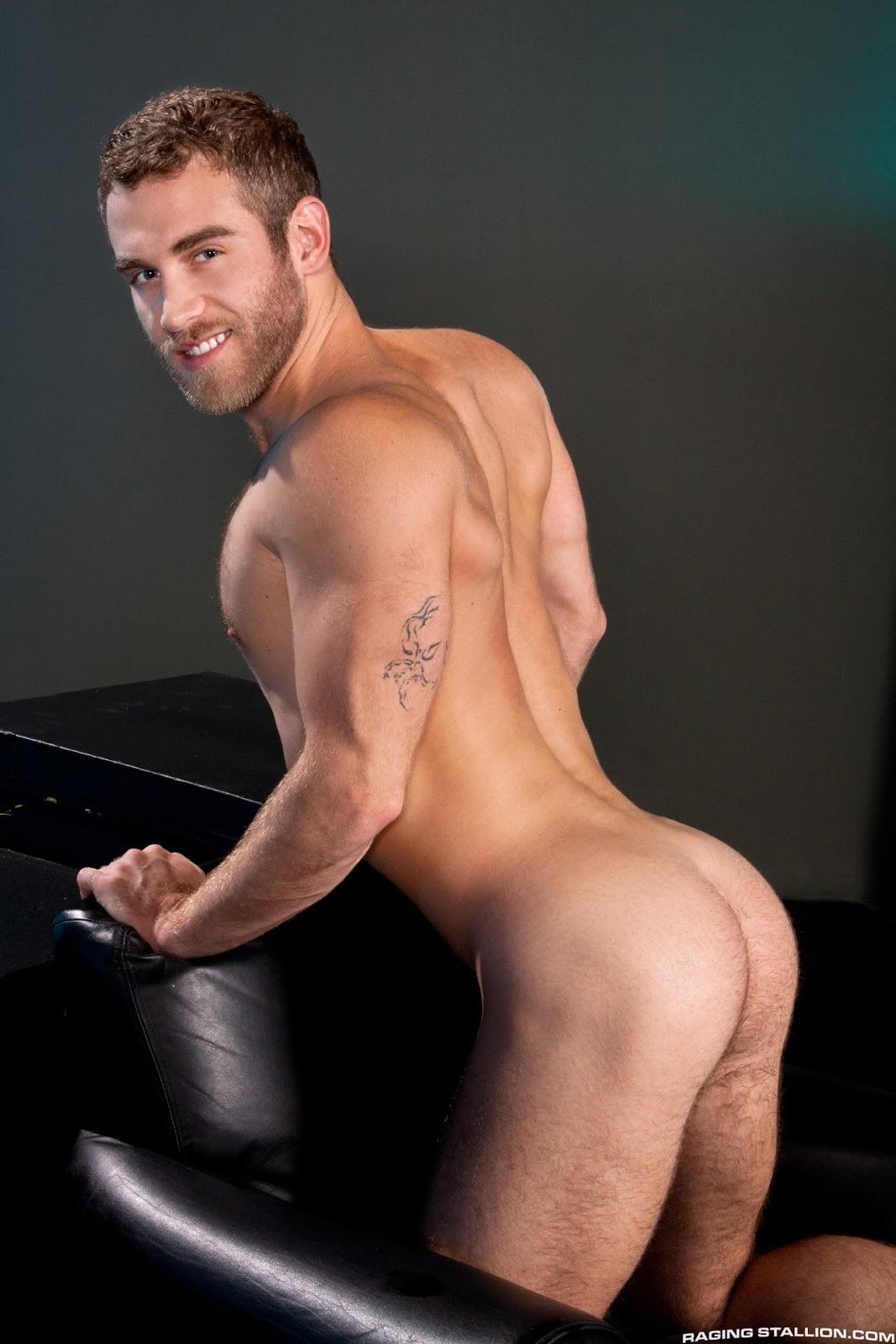 это красивые мужчины голые зрелыми голыми женщинами