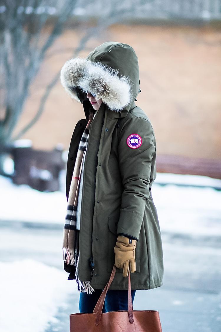 292c5f63287 Review  Canada Goose Trillium Parka - Elle Blogs