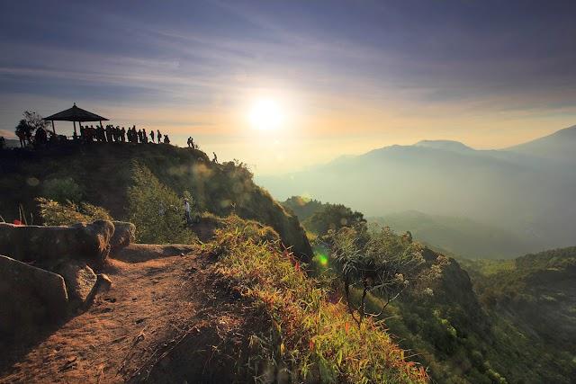 Matahari Pagi dari Puncak Sikunir