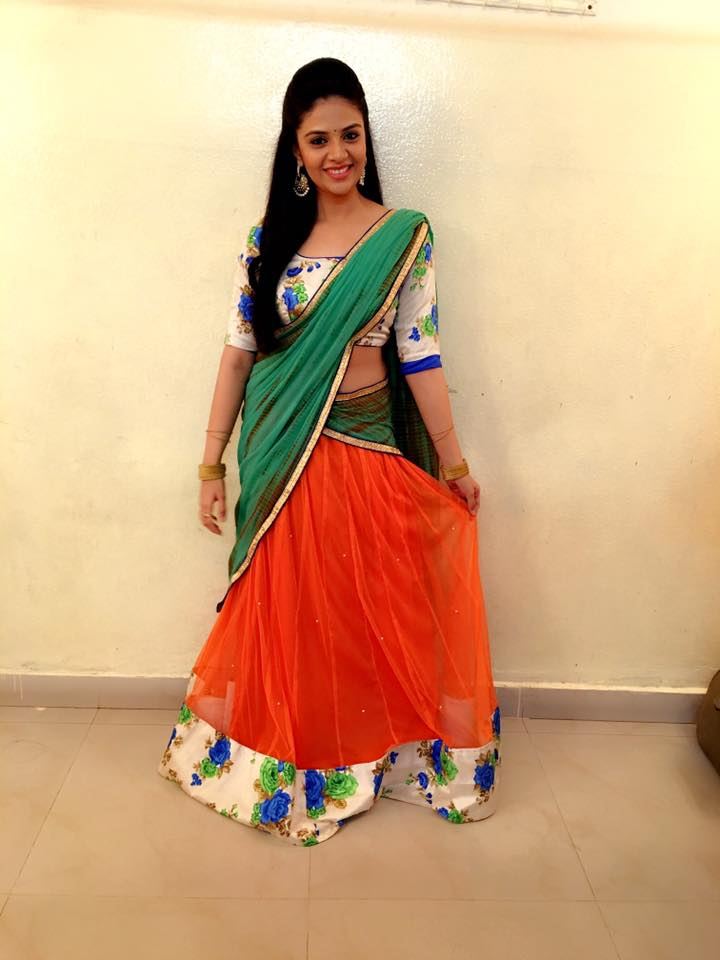Telugu Tv anchor Sreemukhi In Green Lehenga Choli