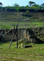 Fântână cu cumpănă modernizată cu plastic în sud-vestul Dobrogei