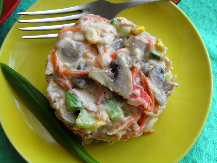 Крабовый салат классический рецепт с фото