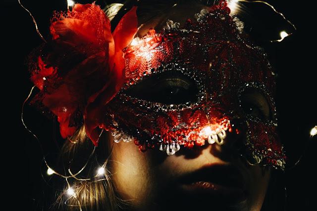 maska teatralna, noc teatrów kraków, Maskarada, Nikołaj Kolada, Teatr Słowackiego