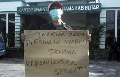 Seleksi Petugas Haji Ada 'Permainan', Kemenag Blitar Didemo