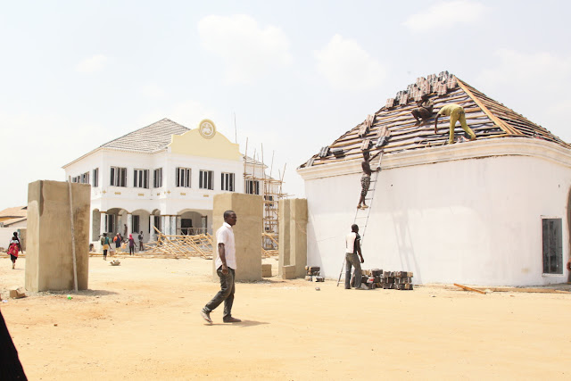 the erection of a new palace for the Ooni