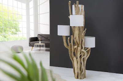 lampa stojanova z masivneho dreva.