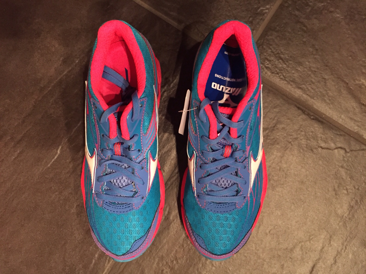 0c6e1e9e98 Racing Stripes: Mizuno Wave Catalyst Review
