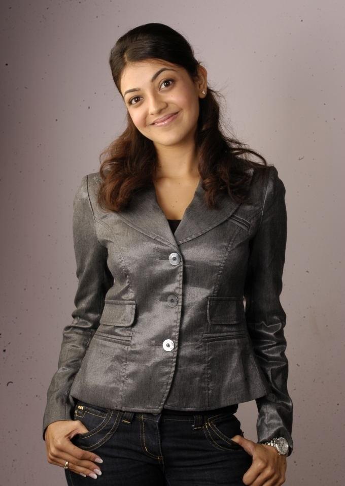 Bollywood Actress Kajal Agarwal Chubby Face Photos In Black Shirt Jeans
