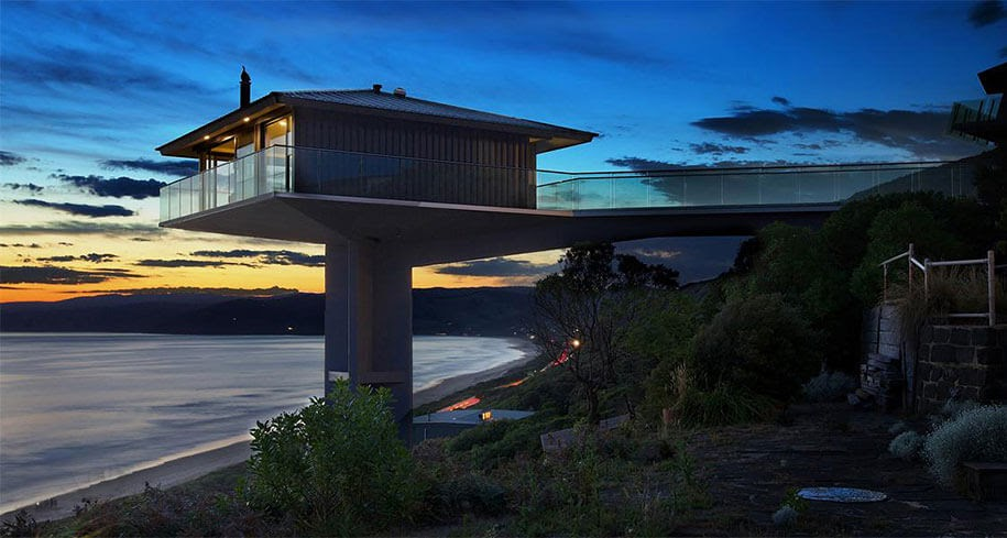 06-Views-from-below-F2-Architecture-Floating-Pole-House-Fairhaven-www-designstack-co