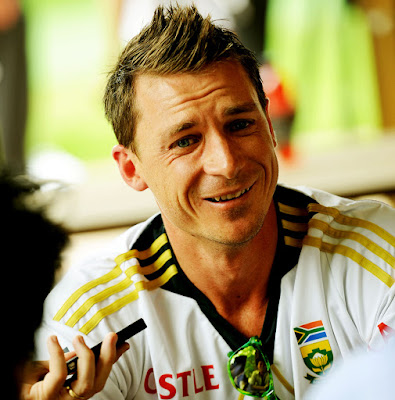 Latest pictures of Famous Cricketer Dale Steyn. Top most popular South African cricketer Dale Steyn hd wallpapers images.