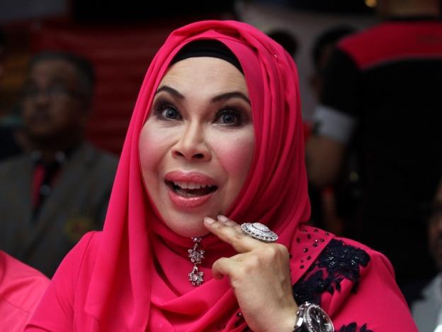 Dato Vida Tetap Dengan Pendirian Warna Merah Jambu