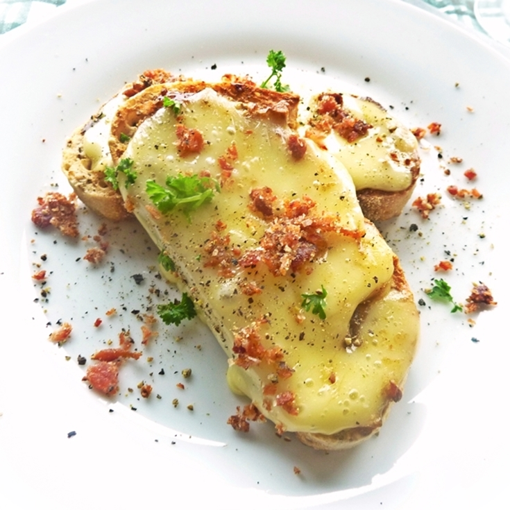 brie-on-toast-with-bacon-salt