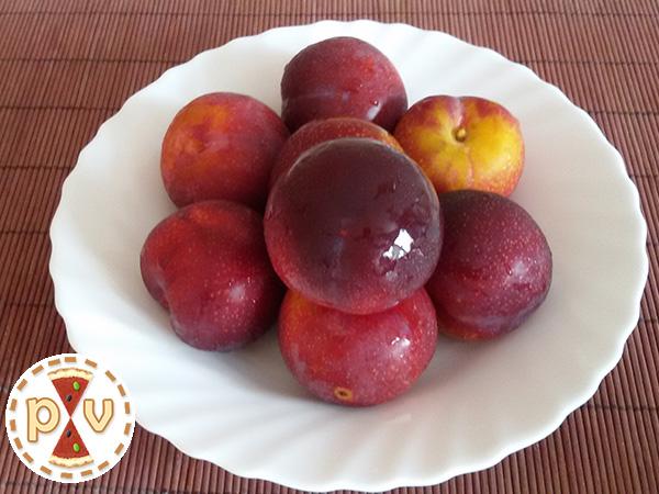Ciruelas amarillas de piel roja: ¡Deliciosas!