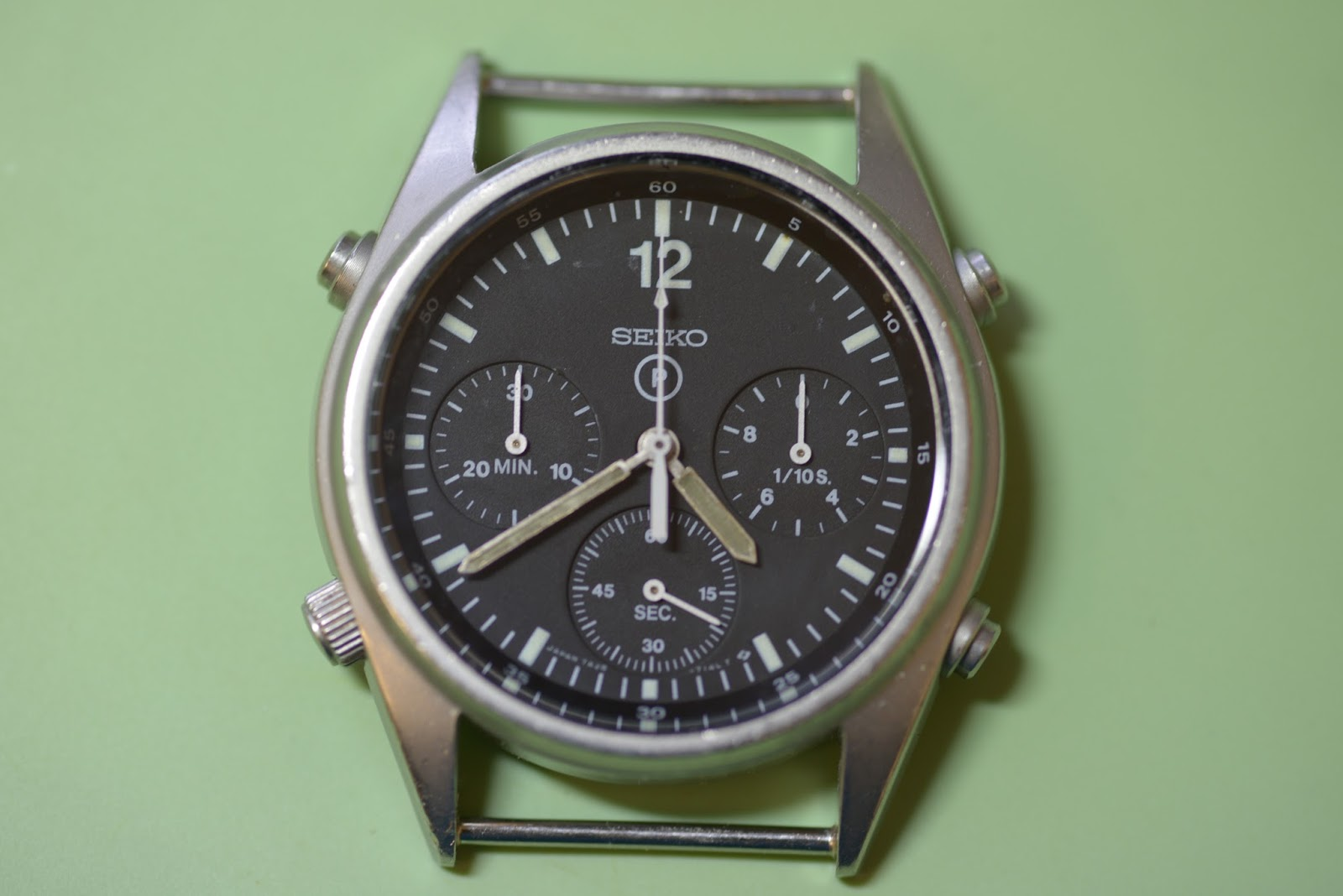 53515f78e65 The Seiko Gen 1 chronograph was issued from 1984 until 1990 and replaced  the mechanical chronographs that were issued to pilots from the 1940s  (initially ...