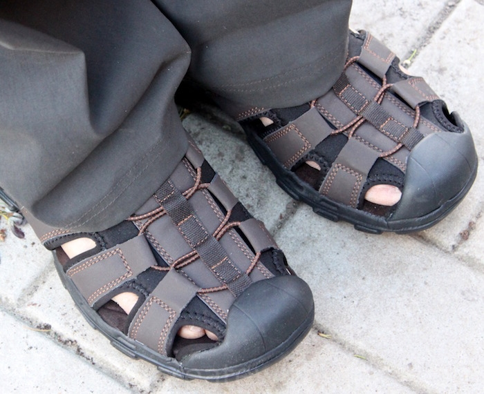 51dfca899d0 The Velcro heel strap is placed in the back for the men s sandals and for  the boy s sandals it is in the front. The strap has adjustable hook and  loop ...