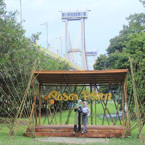 Salah Satu Spot Foto Wisata Pasar Pohon Siak