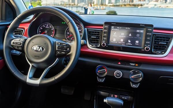 Kia Rio Sedán 2018: características generales, review y opiniones