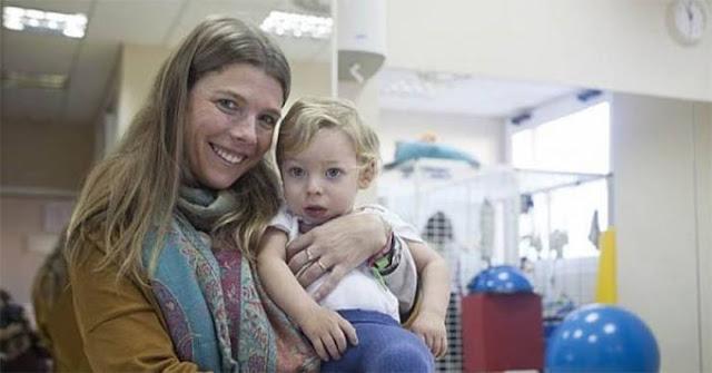 قبّلت هذه الأم الحامل ابنها على فمه.. بعد 9 شهور ندمت حين لا ينفع الندم! ما حدث معها غير متوقع!