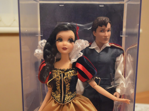 Disney Limited Edition Designer Fairytale Snow White and The Prince