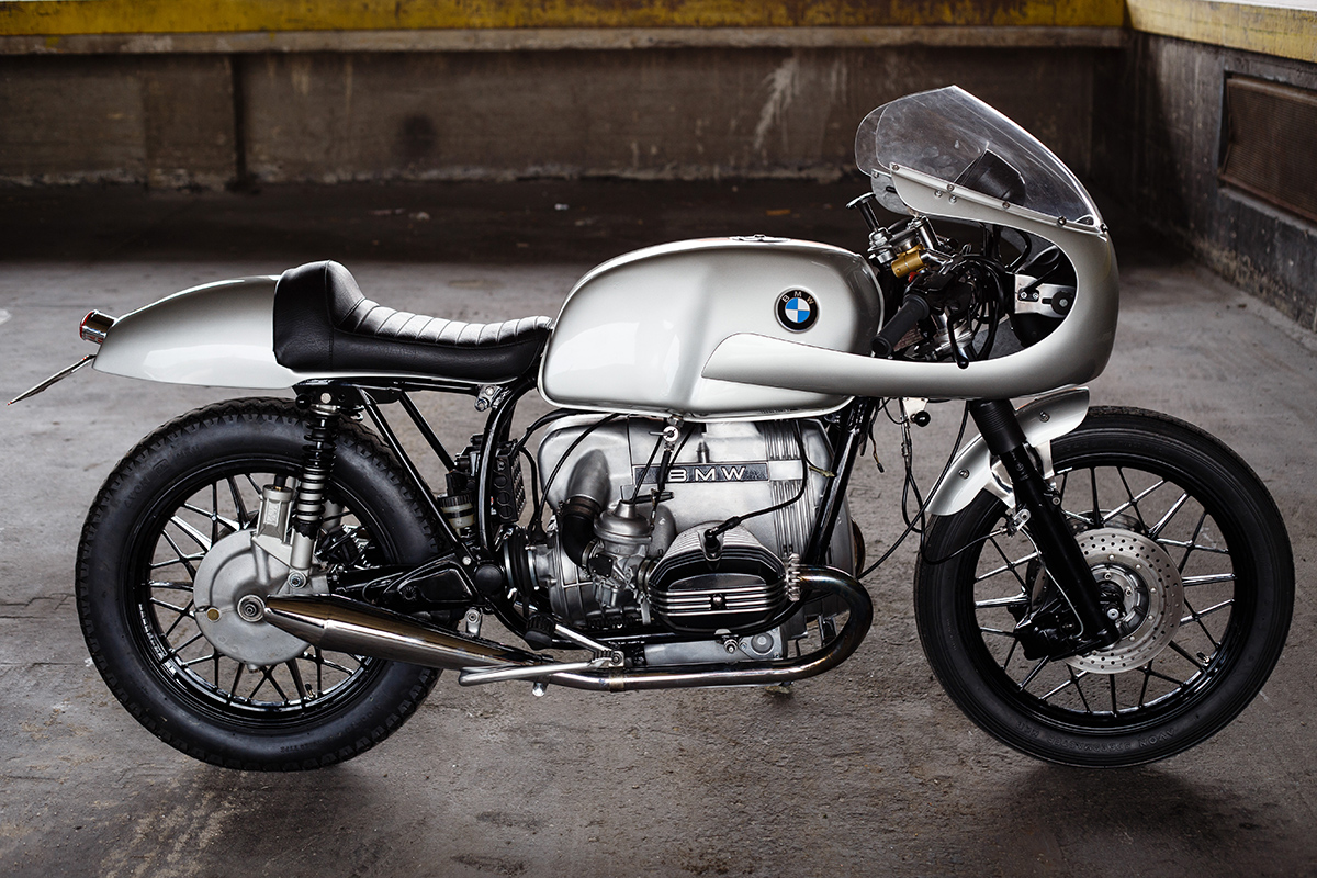 new direction bmw r100 cafe racer return of the cafe racers. Black Bedroom Furniture Sets. Home Design Ideas