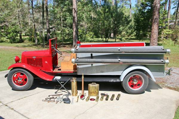Img besides D Eb Be A D Vintage Trucks Old Trucks together with Chevy Panel Autoholic Blog furthermore Ford Model Bb Fire Truck moreover Ford F Pickup. on 1939 ford coe