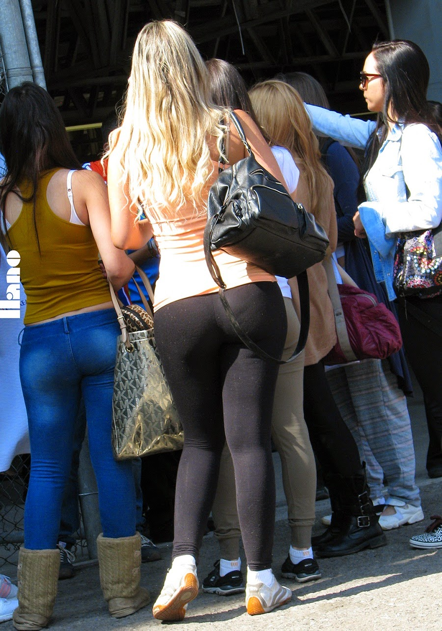 Sexy Girls On The Street, Girls In Jeans, Spandex And Leggings, Tight Dresses Candid Teens In -5075