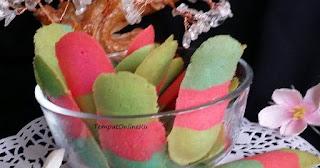 kue lidah kucing rainbow keju susu