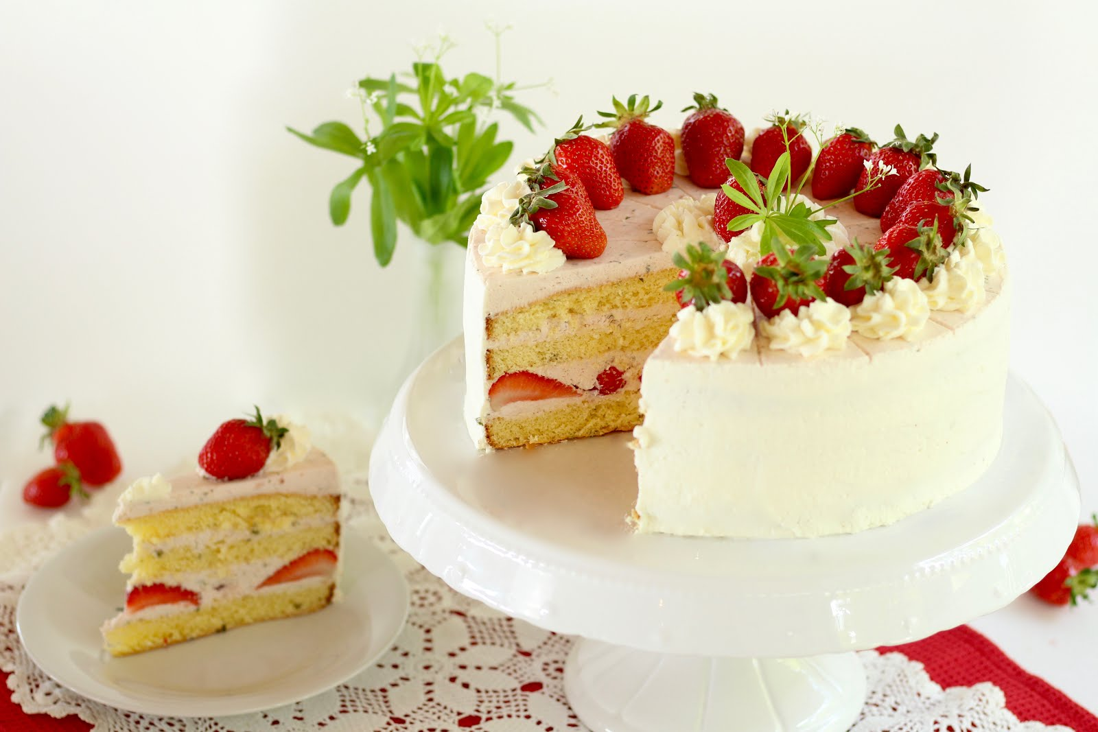 Erdbeer-Waldmeister-Torte | Rezept und Video von Sugarprincess