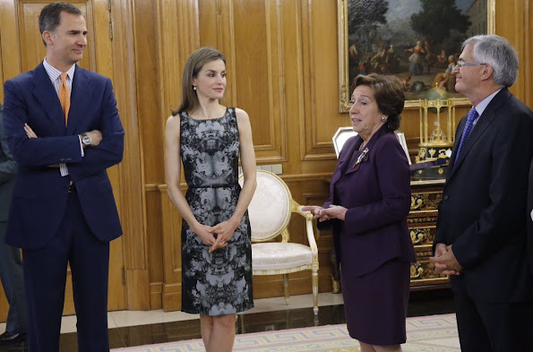 Queen Letizia hold Audience at Zarzuela Palace. Queen Letiza wore HUGO BOSS Dress and PRADA Pumps, Tous Jewelry