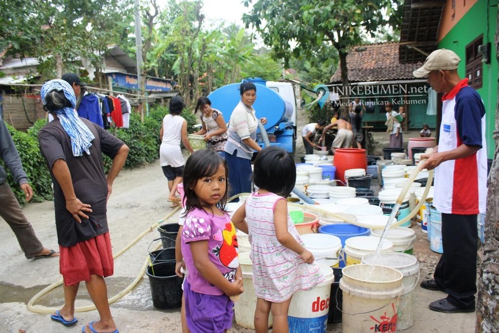 Kekeringan Mulai Melanda, BPBD Kebumen Mulai Droping Air Bersih